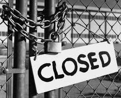 Cerrado por vacaciones eldisparatedeJavi